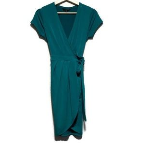 BANANA REPUBLIC short sleeve wrap dress